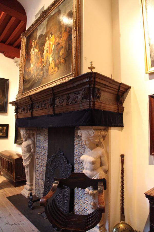 Salon-at-rembrandt-house.jpg