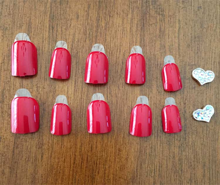 Select your nails first and place them in the right order. The round part is the part that is place by the cuticle. The Square part is the side that you can file down to your desired shape.