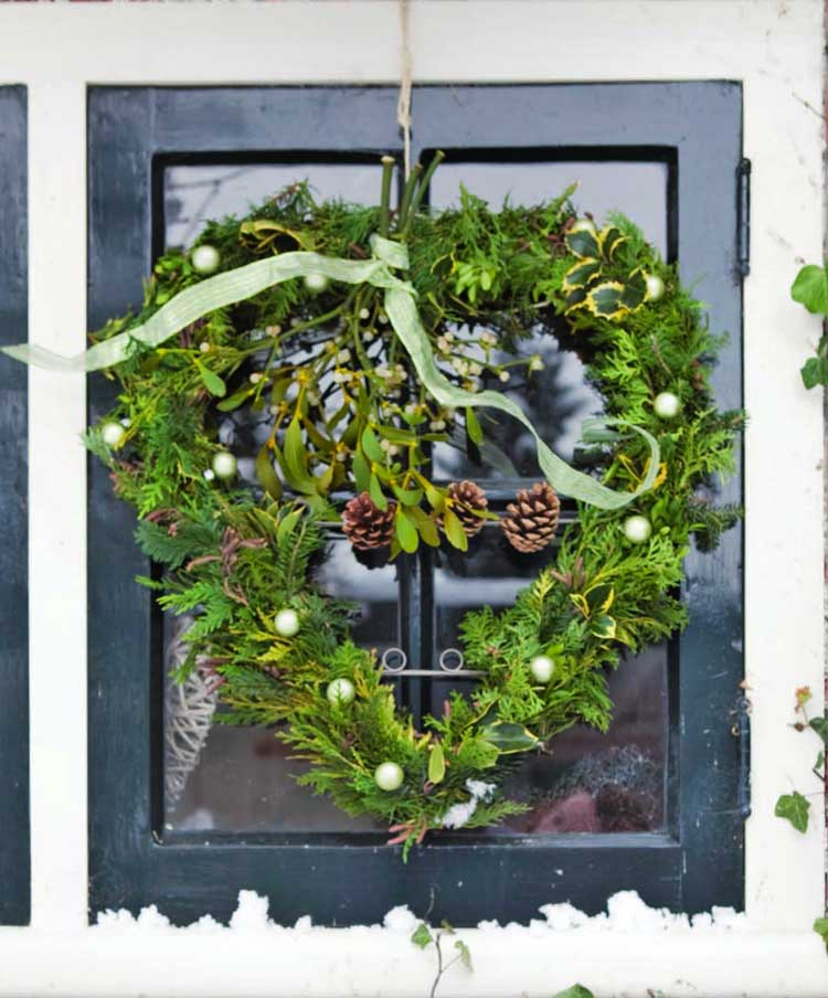 holiday-heart-wreath.jpg