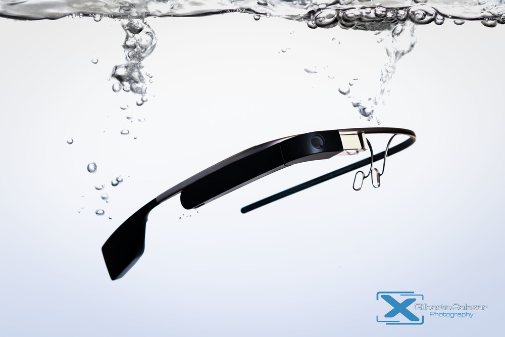 Google Glass Underwater by Gilberto Salazar