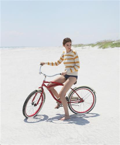 Valerie Chiang,    Bicycle on Beach ,   2011
