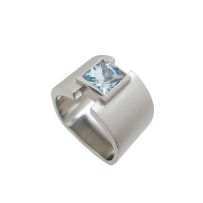 Aquamarine and platinum ring