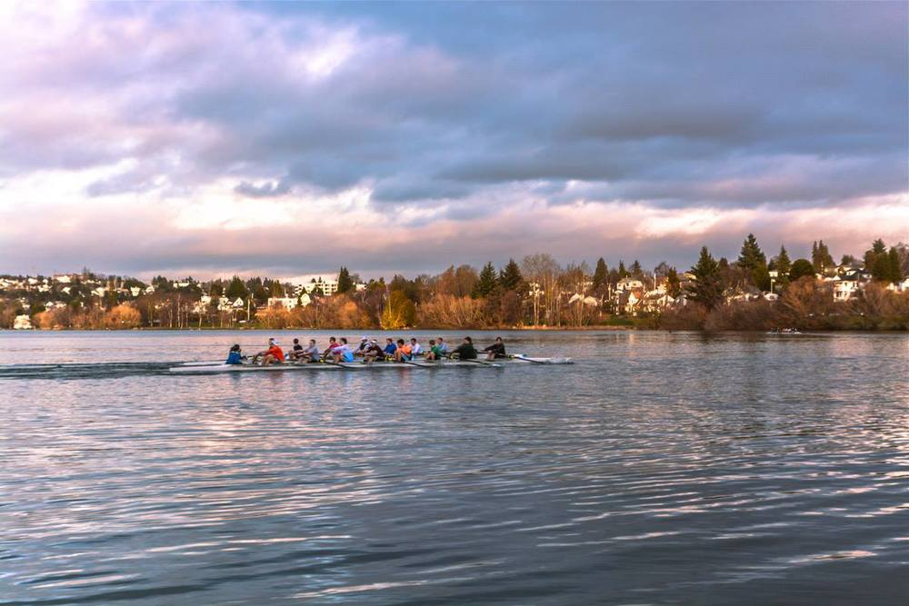 Rowers on Green Lake at Green Lake Park. Photo by Pelusa Chirinos.