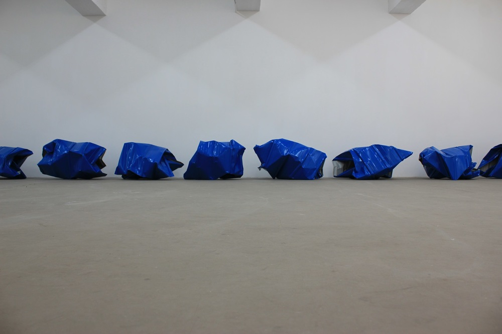 Encounters: Gallery Exit Yang Xinguang, Blue, 2013