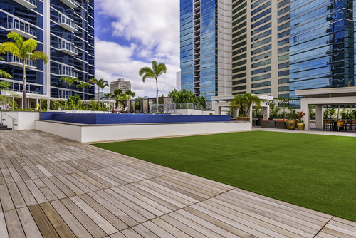 Area+Deck+Lawn+Pool.jpg