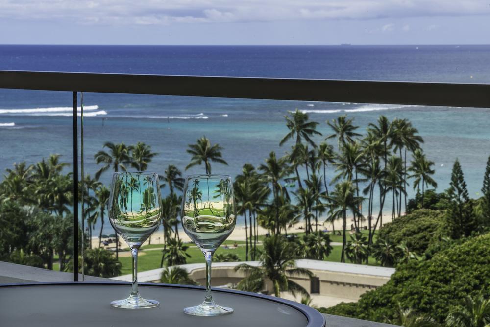 Waikiki Wine.jpg