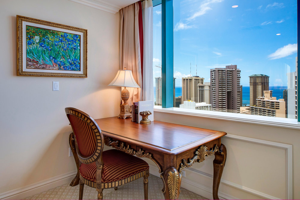 1888 Kalakaua Ave Unit 3504-print-021-24-Bed2Desk copy-4200x2801-300dpi.jpg