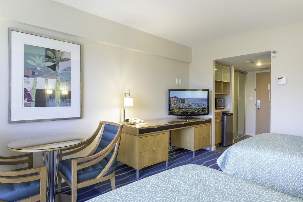 Ala Moana 3011 Room2.jpg