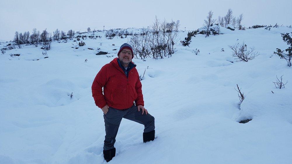 Dagleg leiar Per Odd Grevsnes med Rindabotn i bakgrunnen.