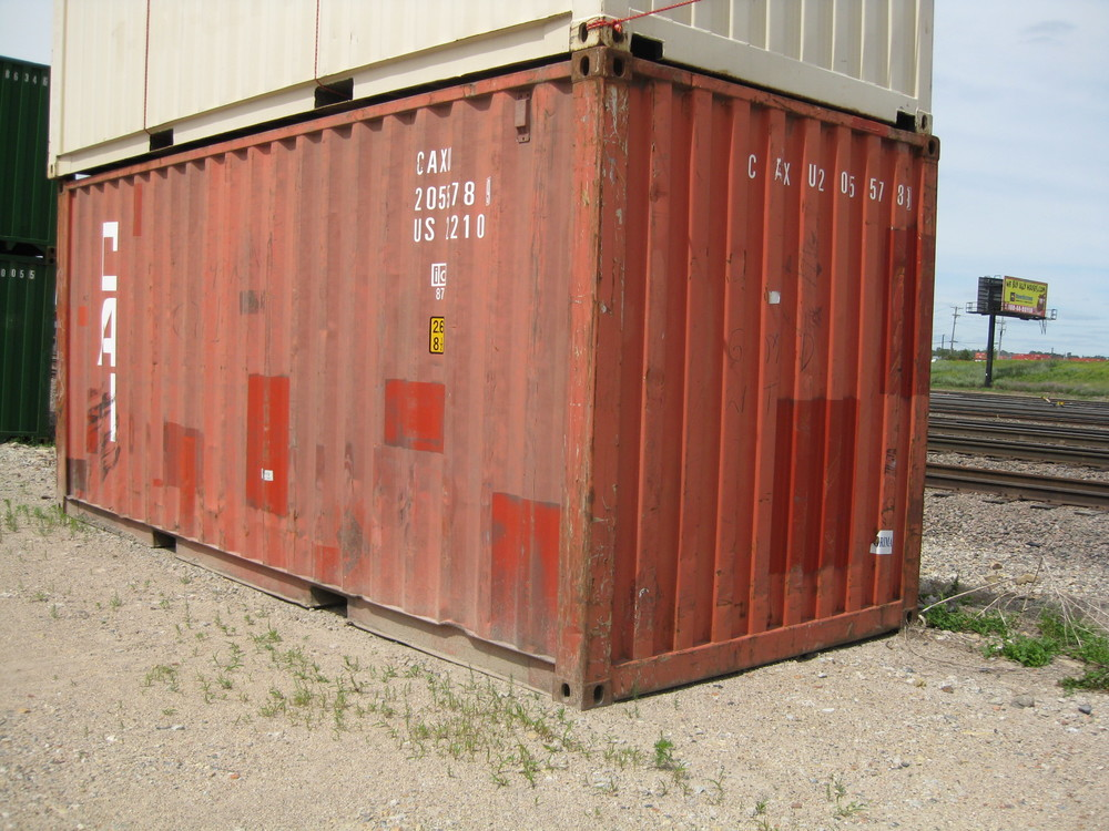 Used red 20' container