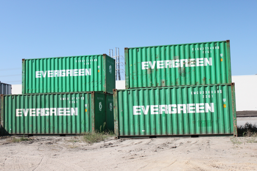 Wind and watertight green 20' container