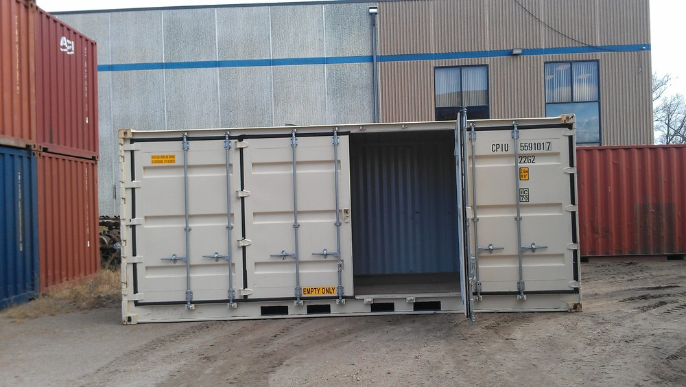 Open-side with 1 right door open 20' high cube container