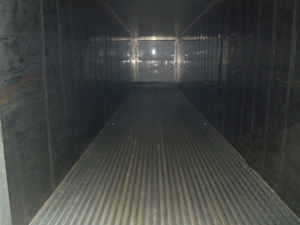 Inside 40' refrigerated container