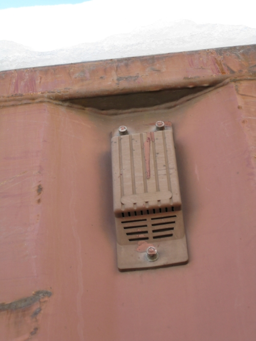 Container vent - outside