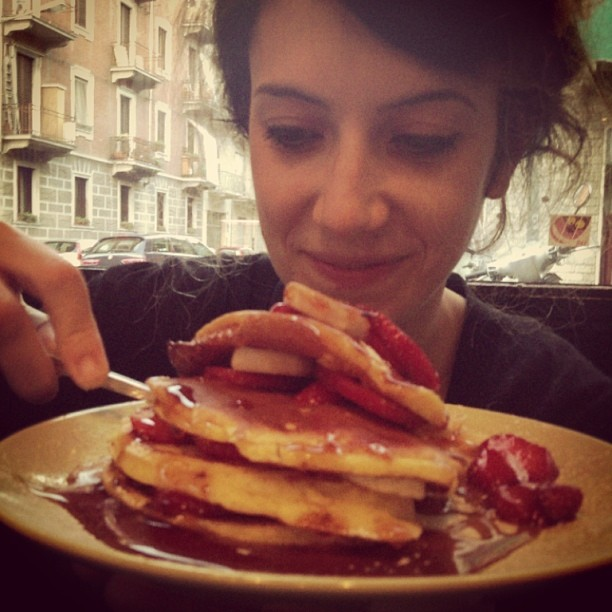 pancake fragola banana e sciroppo d'acero