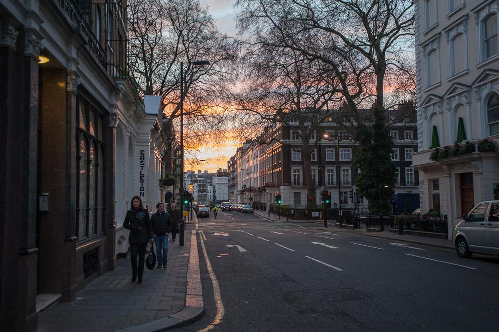 A brisk morning stroll on London Street.