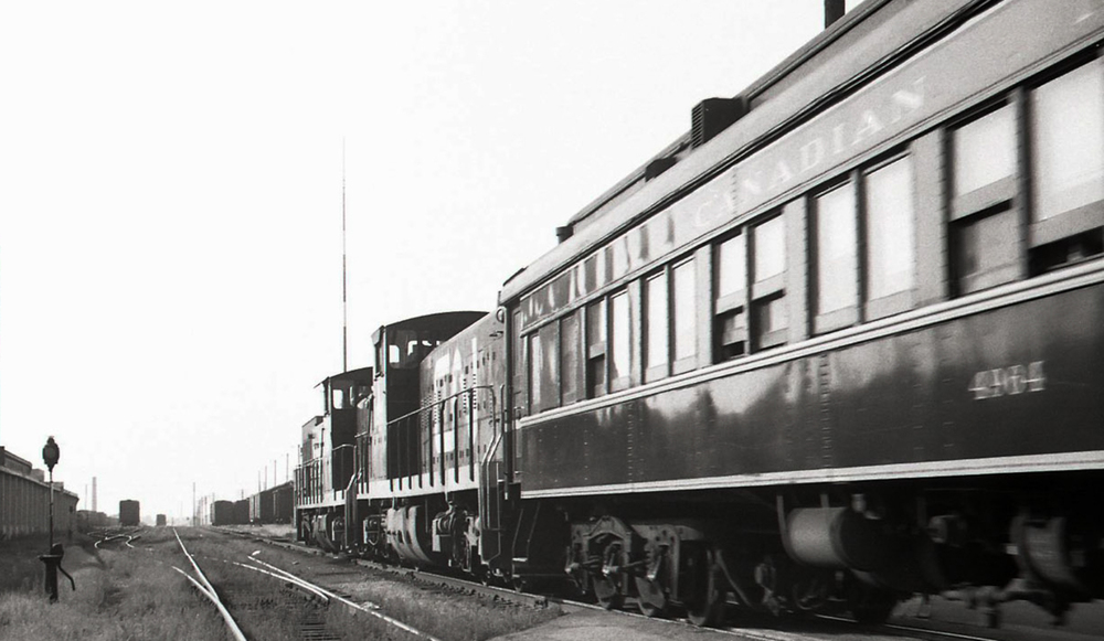 Boiler-equipped GMD1s and heavyweight coaches were a hallmark of Nos. 986 and 987, the Guelph-Toronto commuter.