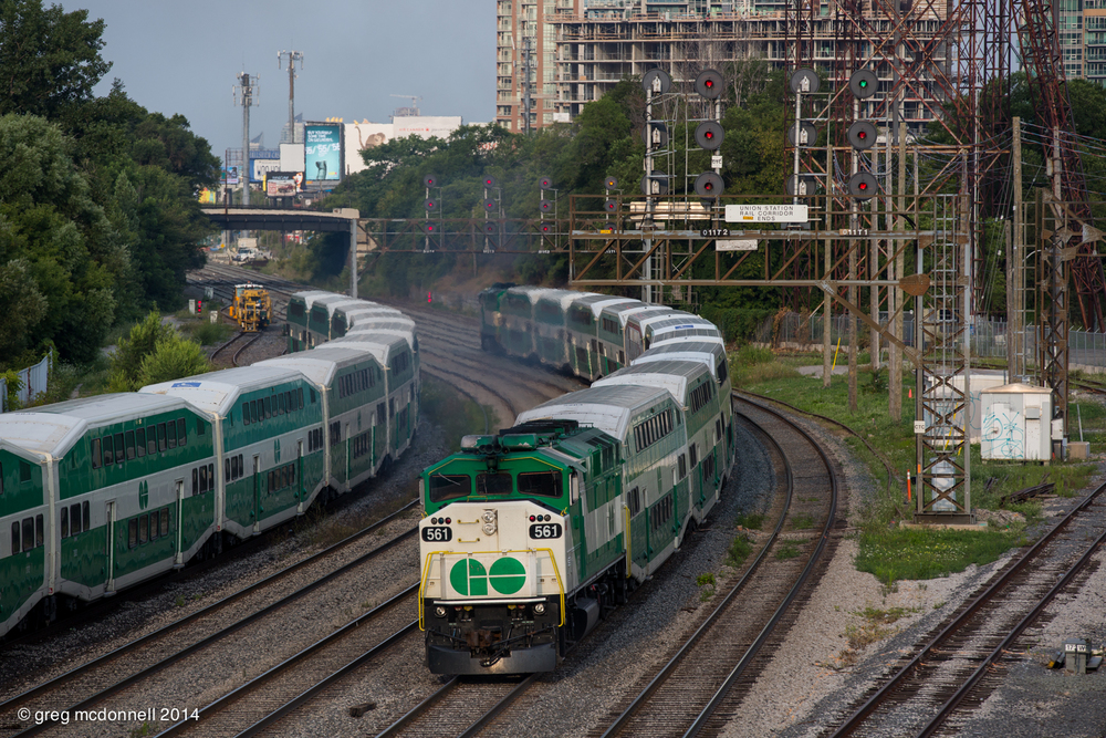 Top-and-tail F59s Nos. 564 and 561 head for Mimico after working an early morning assignment.