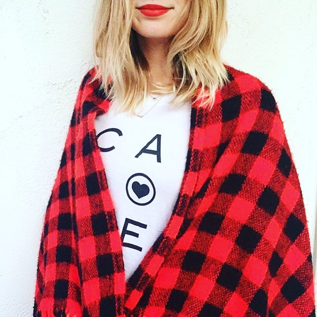 Brace yourself! It's gonna be a cold week here in California. Grab a blanket and get cozy. Casual cozy in one of our tees or sweatshirts that is😉❤️#california #love #cozy #red #saltandpeppersupply
