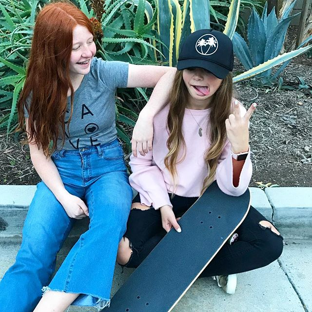 Street style✌🏼#palmtreehat #california #love #tee #teens #saltandpeppersupply