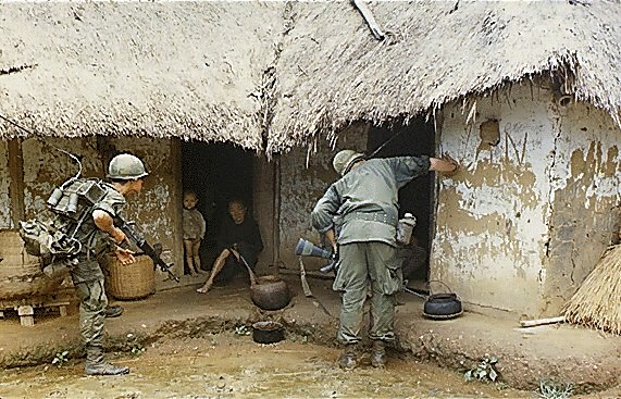 U.S. MILITARY house to house, vietnam 1967 / WIKIMEDIA