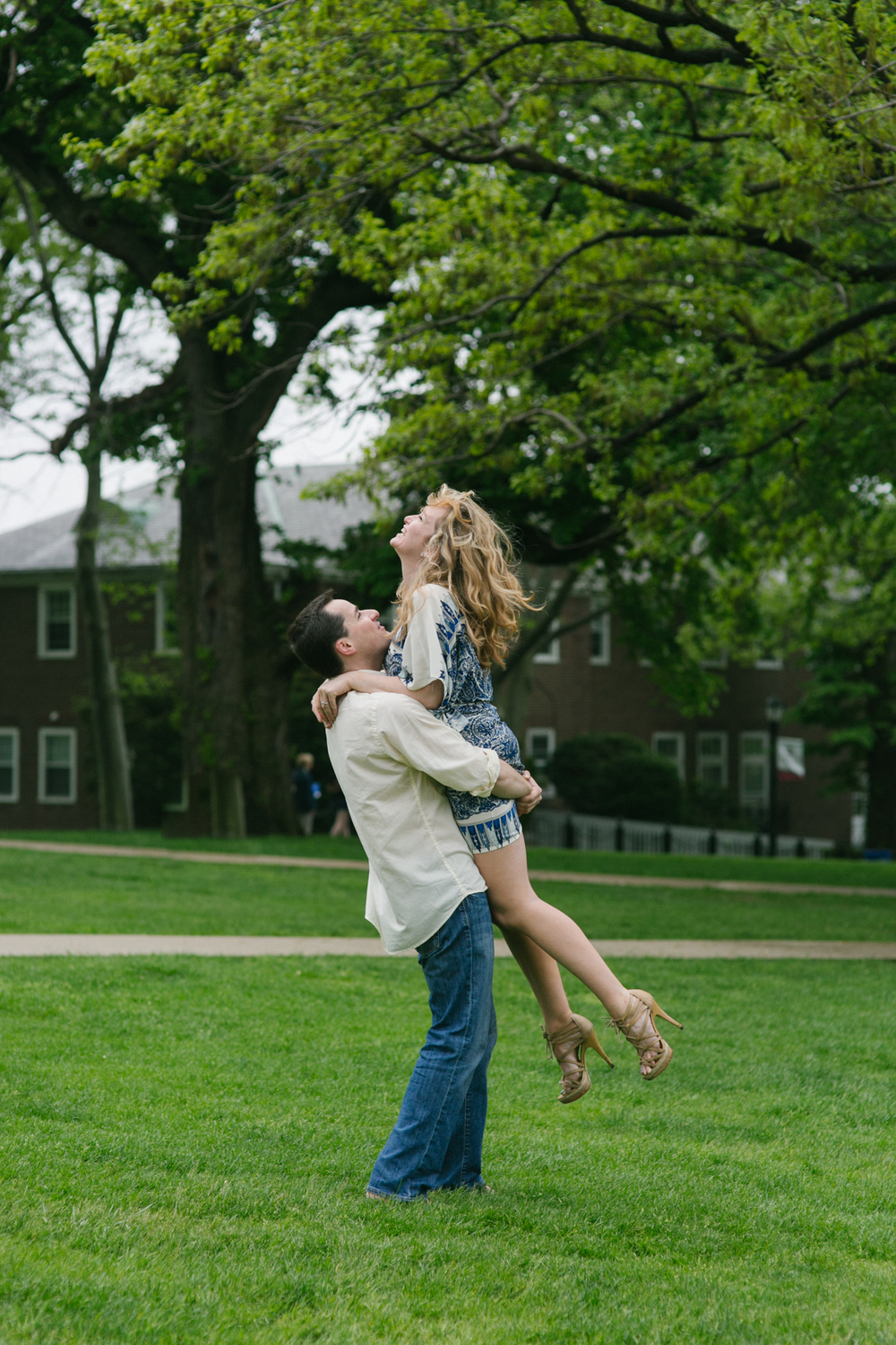 Hannah_Mike_NYC_Financial_District_Engagement-016.jpg