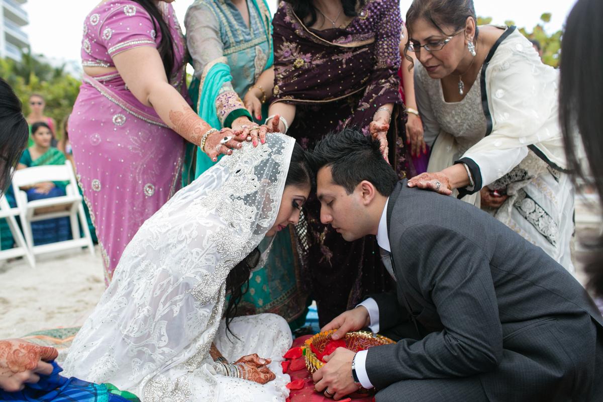Newport_Beach_Sunny_Isles_Florida_Indian_Wedding_39