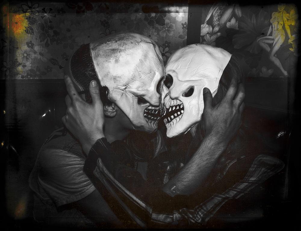 hayes_k_kissing-skeletons.jpg