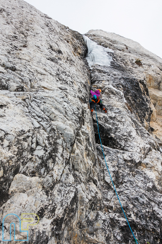 Jewell Lund starting out on pitch 2 of Ice Giants.