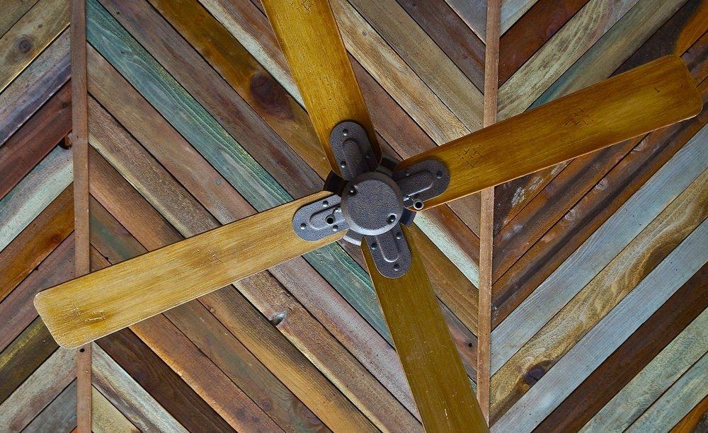 Custom Stained & Painted Slat Ceiling / Del Rey Deli / Playa Del Rey, CA