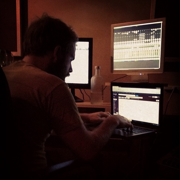 Need. More. Screens. @hello_pedro #mixingshitlikeaboss (Taken with  Instagram )