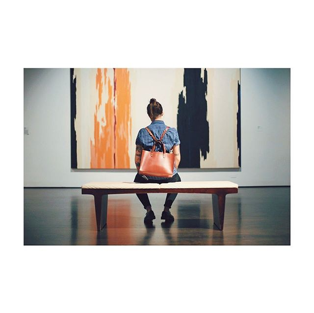 spent yesterday at LACMA seeing some art with the lorimer tote in hand. this is my favorite way to wear it — the crossbody strap is long enough to loop through the top handles to make it into a backpack (which is also great for biking 🚲 ) you can cop this guy for an extra 30% off thru tues with code WISHBONE at check out 🤗 📷: @androgynous . . . . #louisegoods #leatherwork #leatherbag #leathertote #tote #edc #everydaycarry #madeinbrooklyn #womanartist #artist #maker #fashion #ootd #todayiwore #streetstyle #vsco #leatherworker #styleinspo #streetstyle #artisan