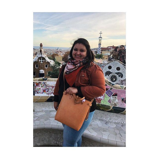 the beautiful @cassmorgan with her convertible tote in spain!! #louisegoods all over the world ☺️ thanks for the photo cassie 🤓👌🏼 . . . . #leatherwork #briefcase #leatherbriefcase #portfolio #messenger #leathermessenger #briefcase #edc #everydaycarry #madeinbrooklyn #womanartist #artist #maker #fashion #ootd #todayiwore #streetstyle #workbag #carryall #spain #españa