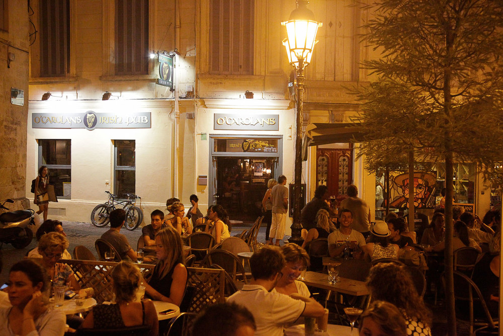 O'Carolans terrasse looking onto Place St. Anne Montpellier.jpg