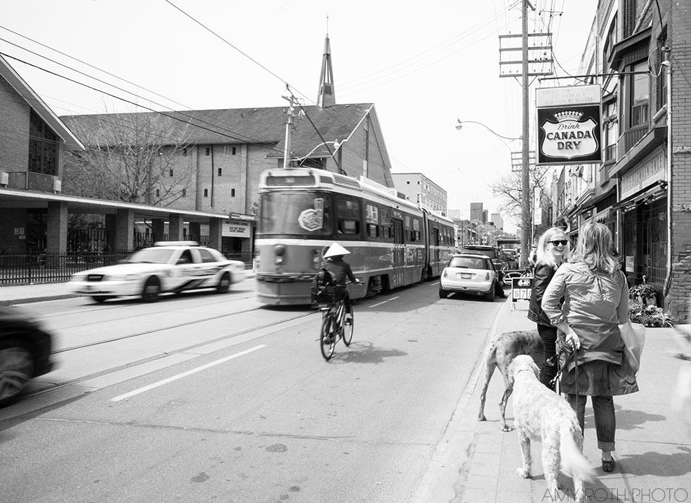 Toronto Street Scene | Amy Roth Photo