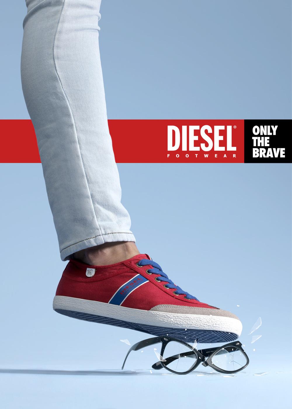 Diesel FOTO 01D_logo 2.jpg