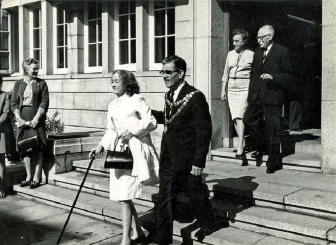 08 Freedom of St Ives with Barbara Hepworth 1968.jpg