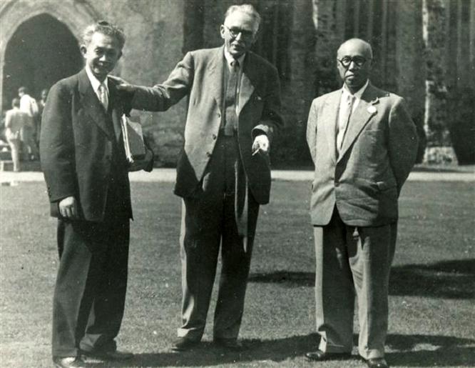 Bernard Leach with Shoji Hamada & Soestsu Yanagi, Dartington 1952