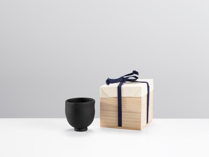 Ryoji-Koie-Black-Glass-Teabowl_Image-Michael-Harvey_Oxford-Ceramics-Gallery.jpg
