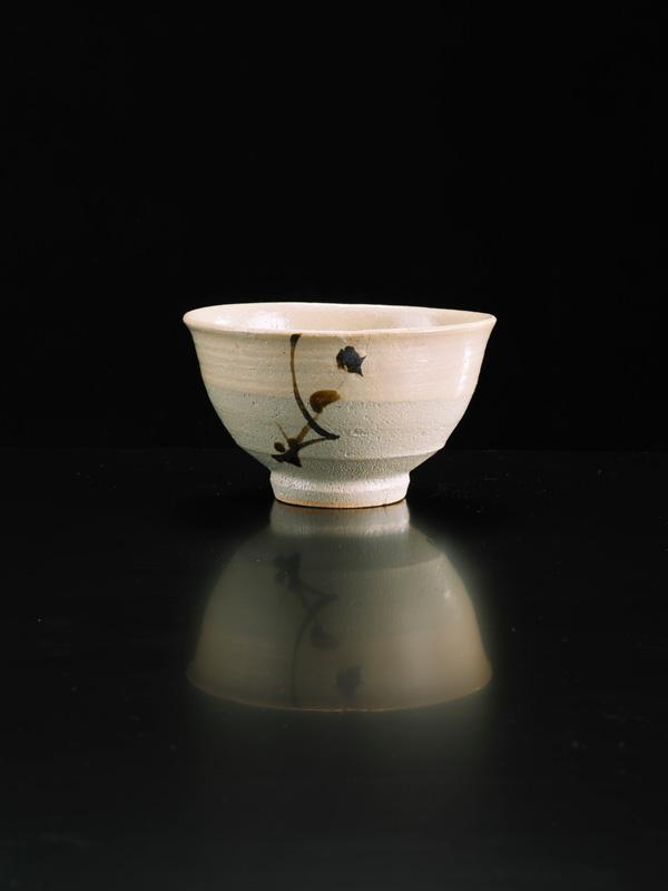 Shoji-Hamada_Bowl_Image-Michael-Harvey-Oxford-Ceramics_01.jpg