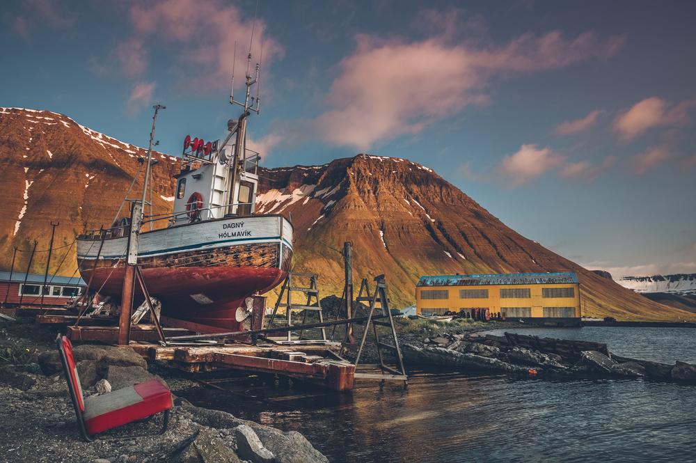 Ísafjörður docks.jpg
