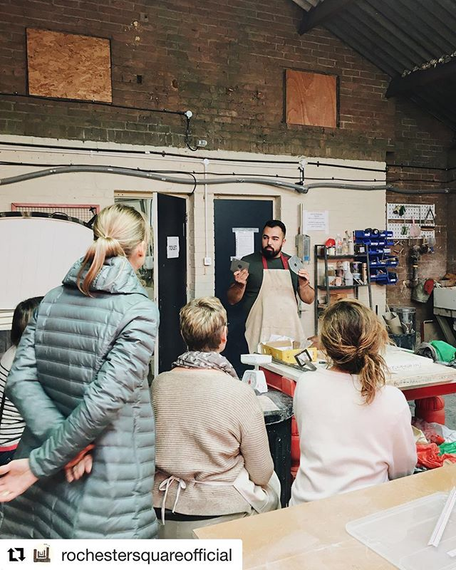 Here I am, an actual person behind the ceramics I make.  #Repost from @rochestersquareofficial ・・・ Extruder lesson with @sevakzargarian for our members.  #clay #ceramics #ceramicstudio #lesson #extruder #rochestersquare #rochestersquareofficial #camden #london #clay #teachingpottery #potteryclass #ceramicworkshop