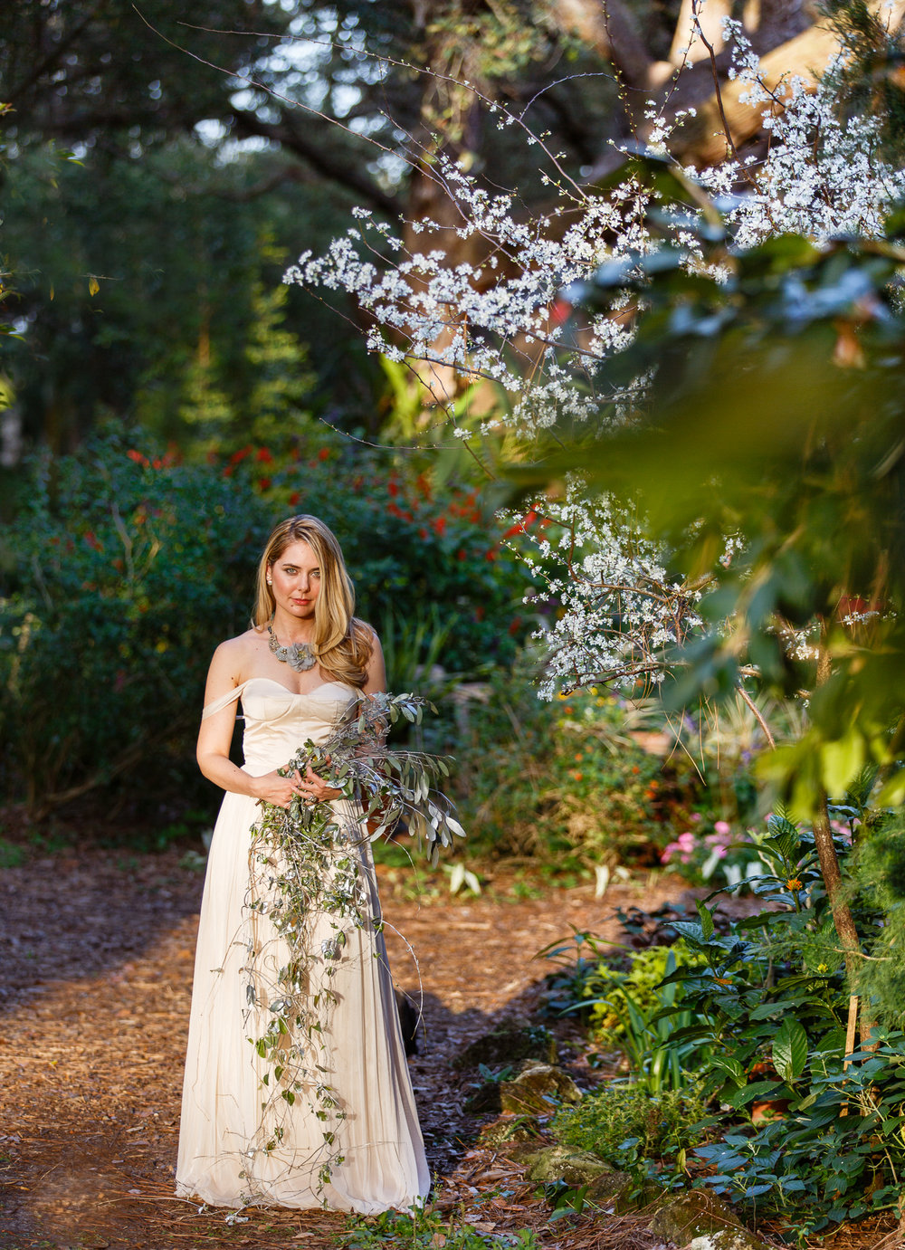 blonde-bride-spring-mead-gardens-wedding-winter-park.jpeg