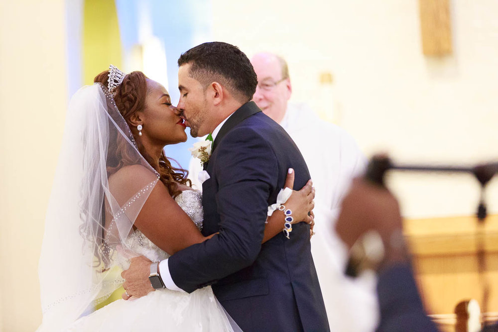 orlando-church-wedding-kiss.jpg