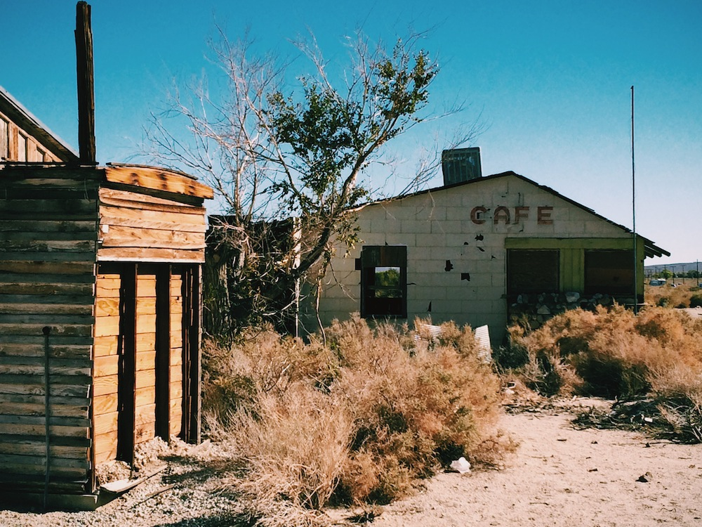 One of the many abandoned buildings along Highway 395.