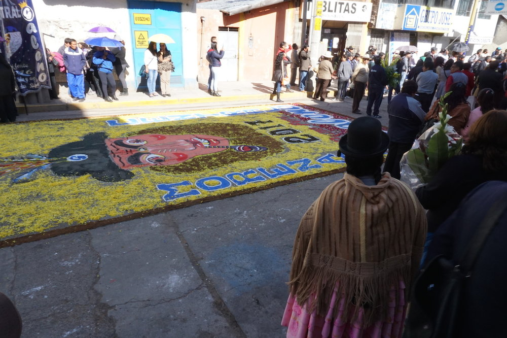 Street painting in Puno on the eve of the Fiesta.
