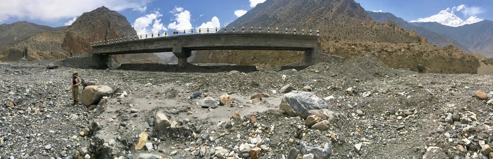 A futile attempt at building a bridge in the Kali Gandaki riverbed. The score: Nature = 1, Man = 0