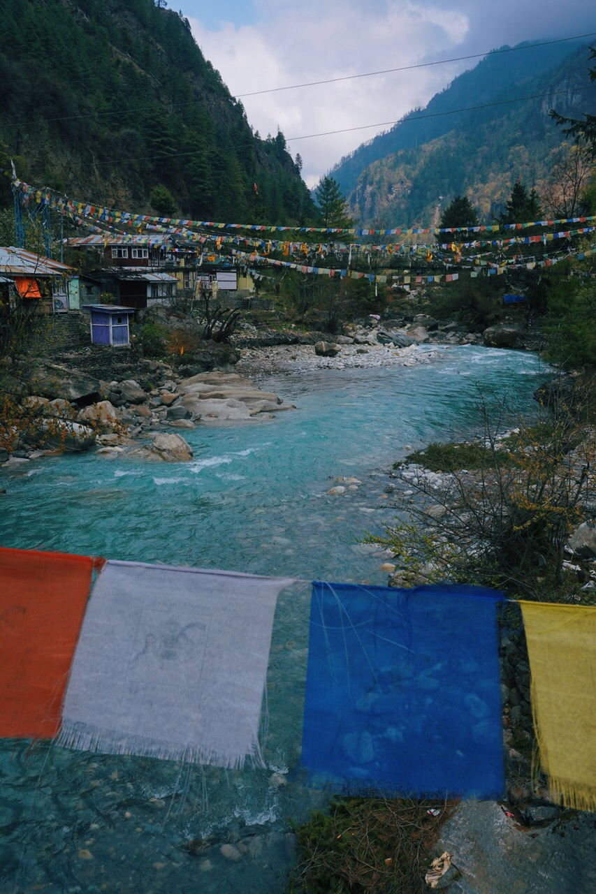 Turquoise glacial meltwaters of the Marshyangdi River