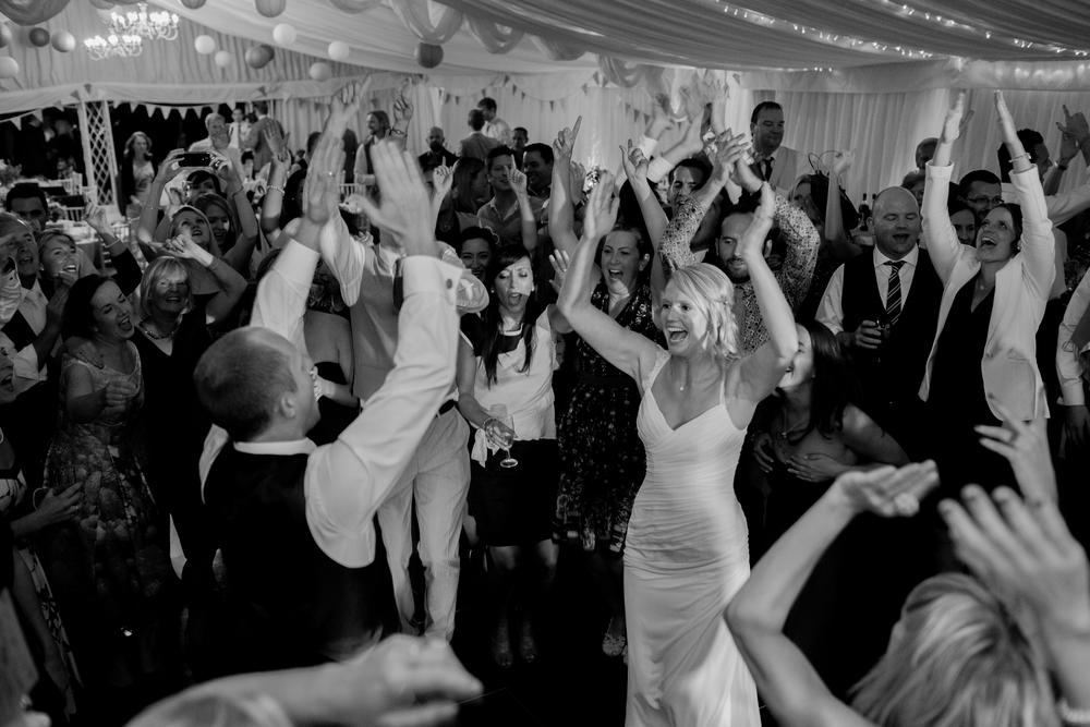 Dancing-1169.jpg