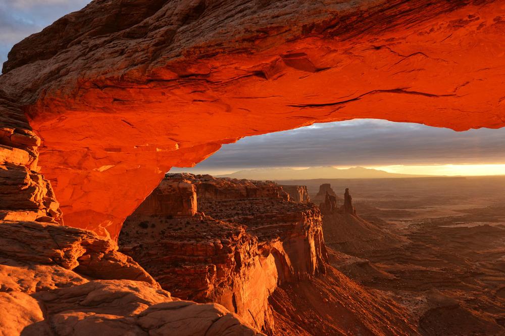 Early Light on Mesa Arch.JPG